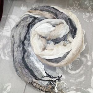 NWOT Vince Camuto scarf